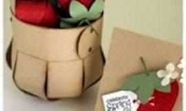 Como hacer una cesta para regalo de cartón