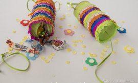 Mini piñatas con tubos de cartón