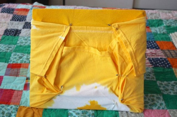DIY-Cat-Tent-from-an-Old-T-Shirt-14