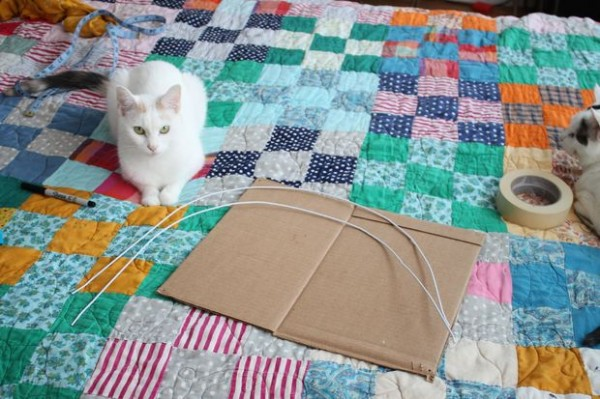 DIY-Cat-Tent-from-an-Old-T-Shirt-4