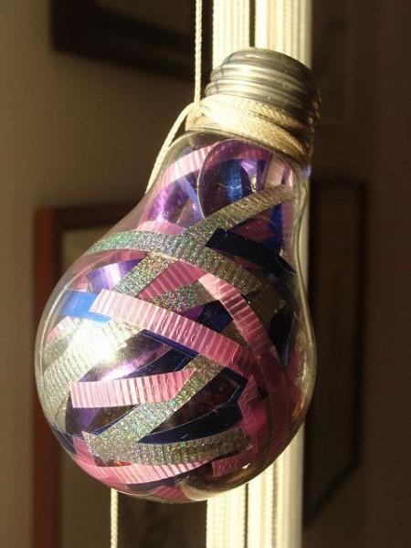 ideas-para-reciclar-bombillas-de-luz-5