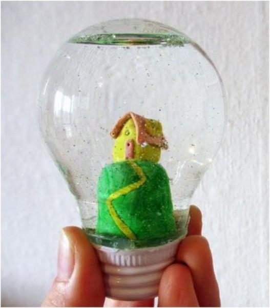 ideas-para-reciclar-bombillas-de-luz-8