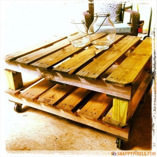 make-a-coffee-table-from-an-old-pallet