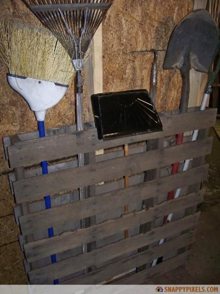 pallet-garden-tools