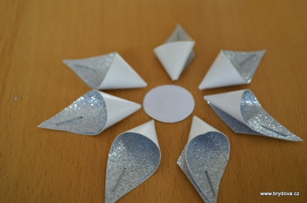 How-to-DIY-Star-Flower-Christmas-Ornament5