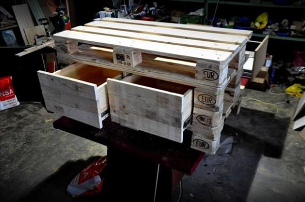 reuse-old-pallets-dresser