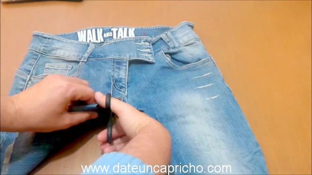 Funda para tablet utilizando unos jeans DIY manualidades reciclando cartón y unos vaqueros 0343