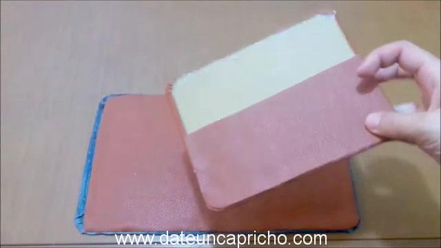 Funda para tablet utilizando unos jeans DIY manualidades reciclando cartón y unos vaqueros 0804