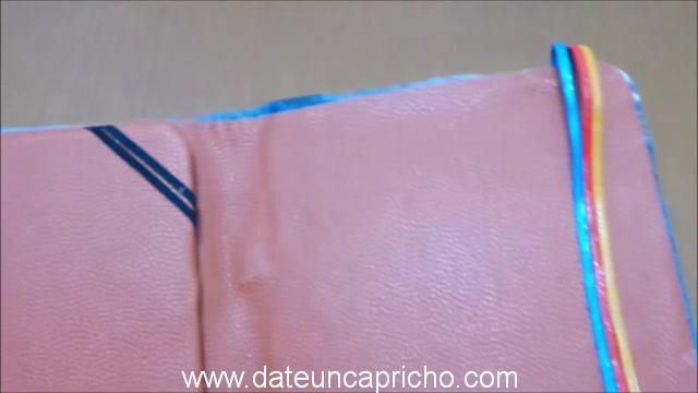 Funda para tablet utilizando unos jeans DIY manualidades reciclando cartón y unos vaqueros 0985