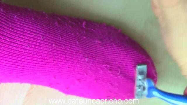 Cómo hacer brazaletes con bolsas de plástico