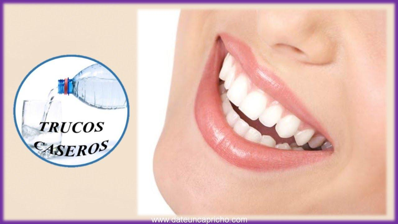 C mo blanquear los dientes de forma natural 2 maneras naturales para aclarar su sonrisa - Como blanquear los dientes en casa ...